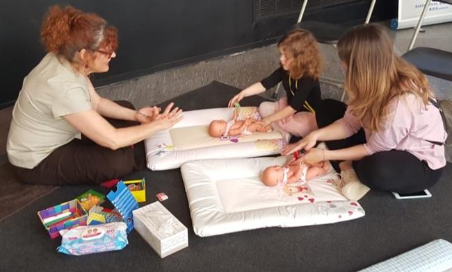 Fotografia de l'activitat TÈCNIQUES DE RELAXACIÓ PER A ADULTS I INFANTS. PRESENTACIÓ DE LLIBRE