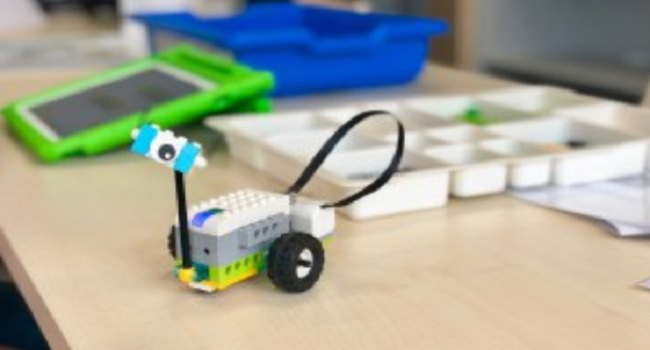 Fotografia de l'activitat LEGO WEDO2.0. TALLER