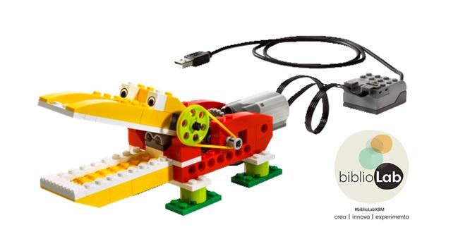 Fotografia de l'activitat BIBLIOLAB: INTRODUCCIÓ A LA ROBÒTICA AMB LEGO WEDO